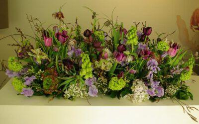 Bloemen op een uitvaart